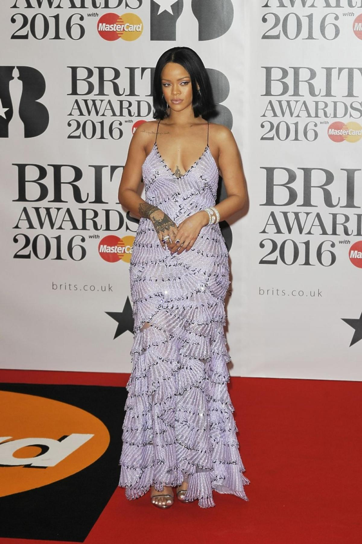 Rihanna na Brit Awards 2016