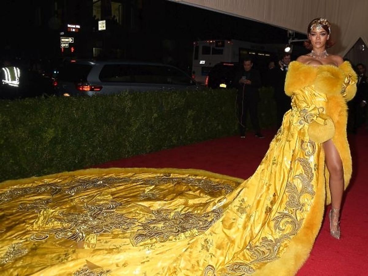 Rihanna na gali MET 2015