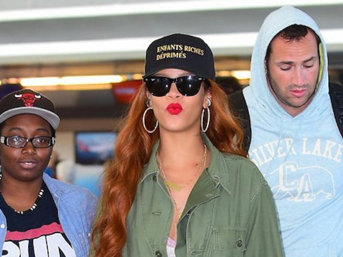 Rihanna w zielonym kombinezonie
