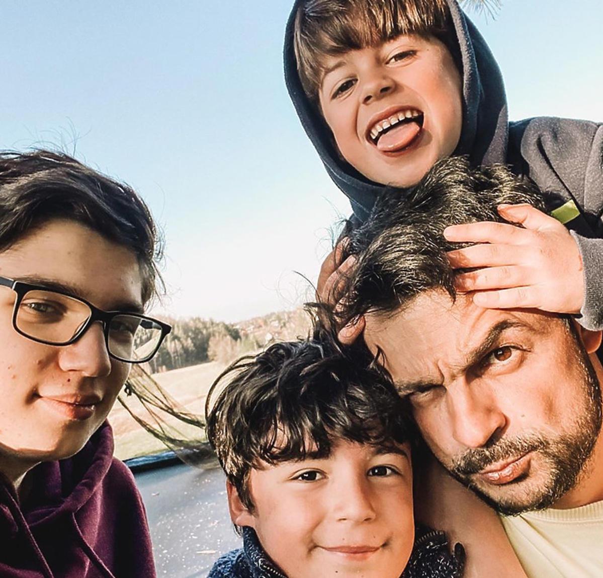 Robert El Gendy z synami
