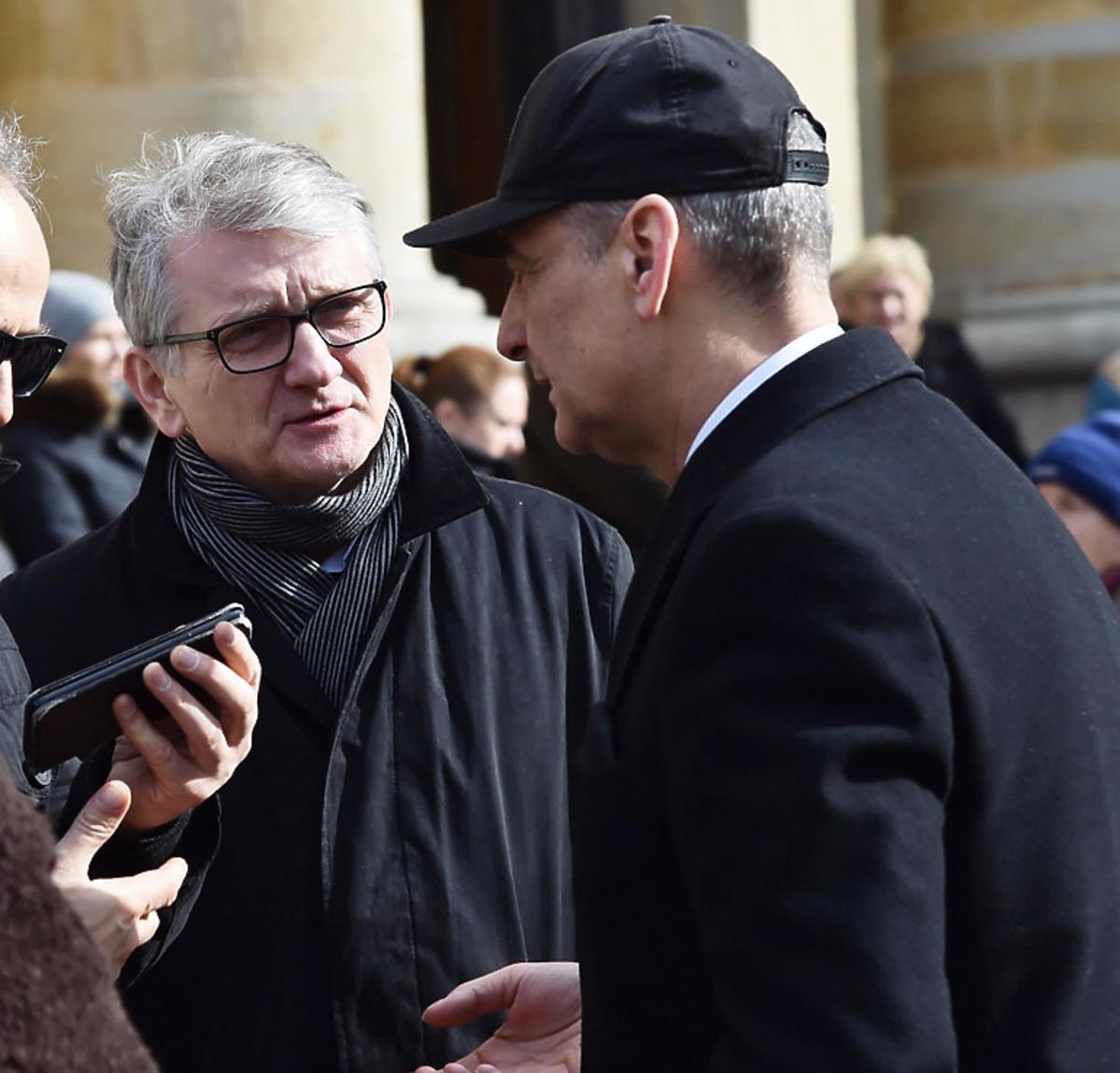 Robert Gonera na pogrzebie Pawła Królikowskiego