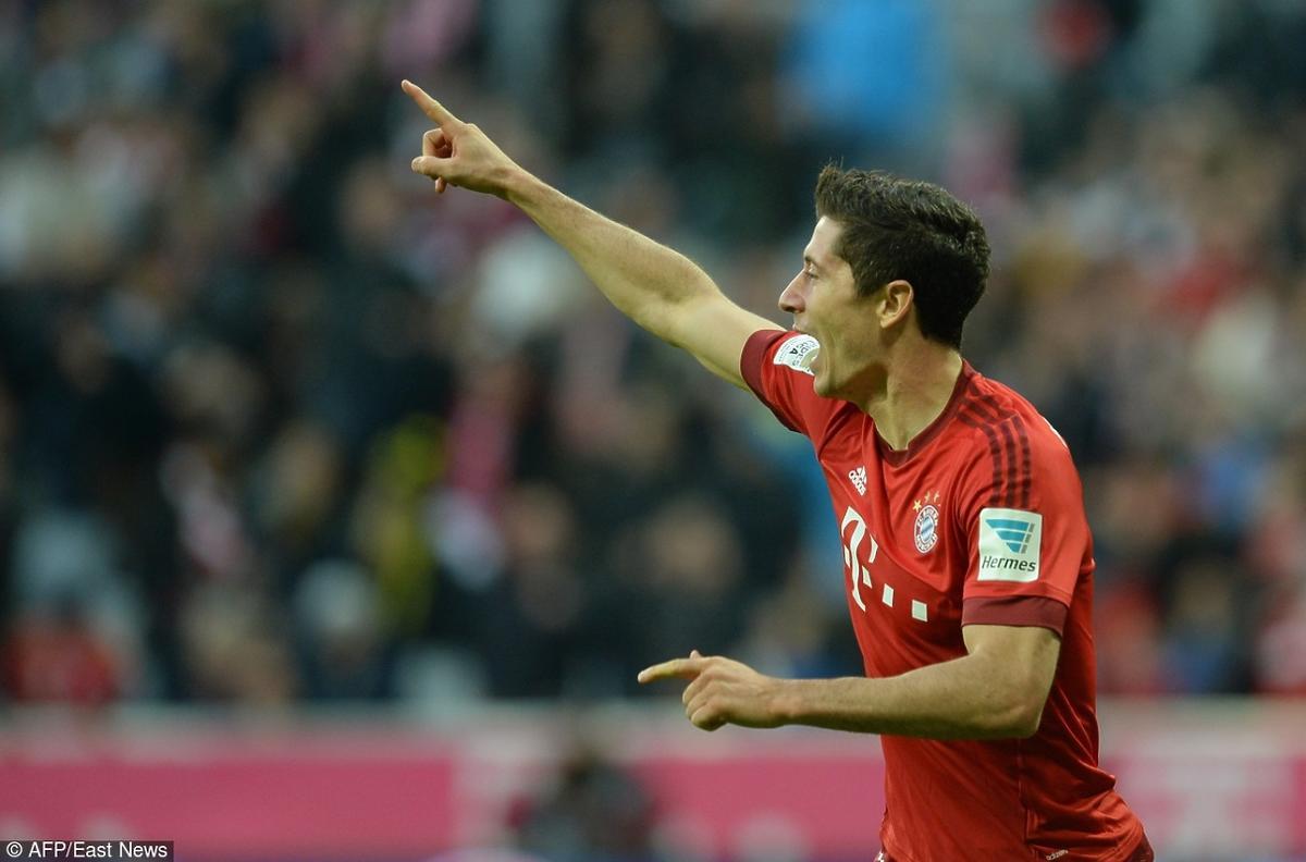 Robert Lewandowski cieszy się po zdobytym golu
