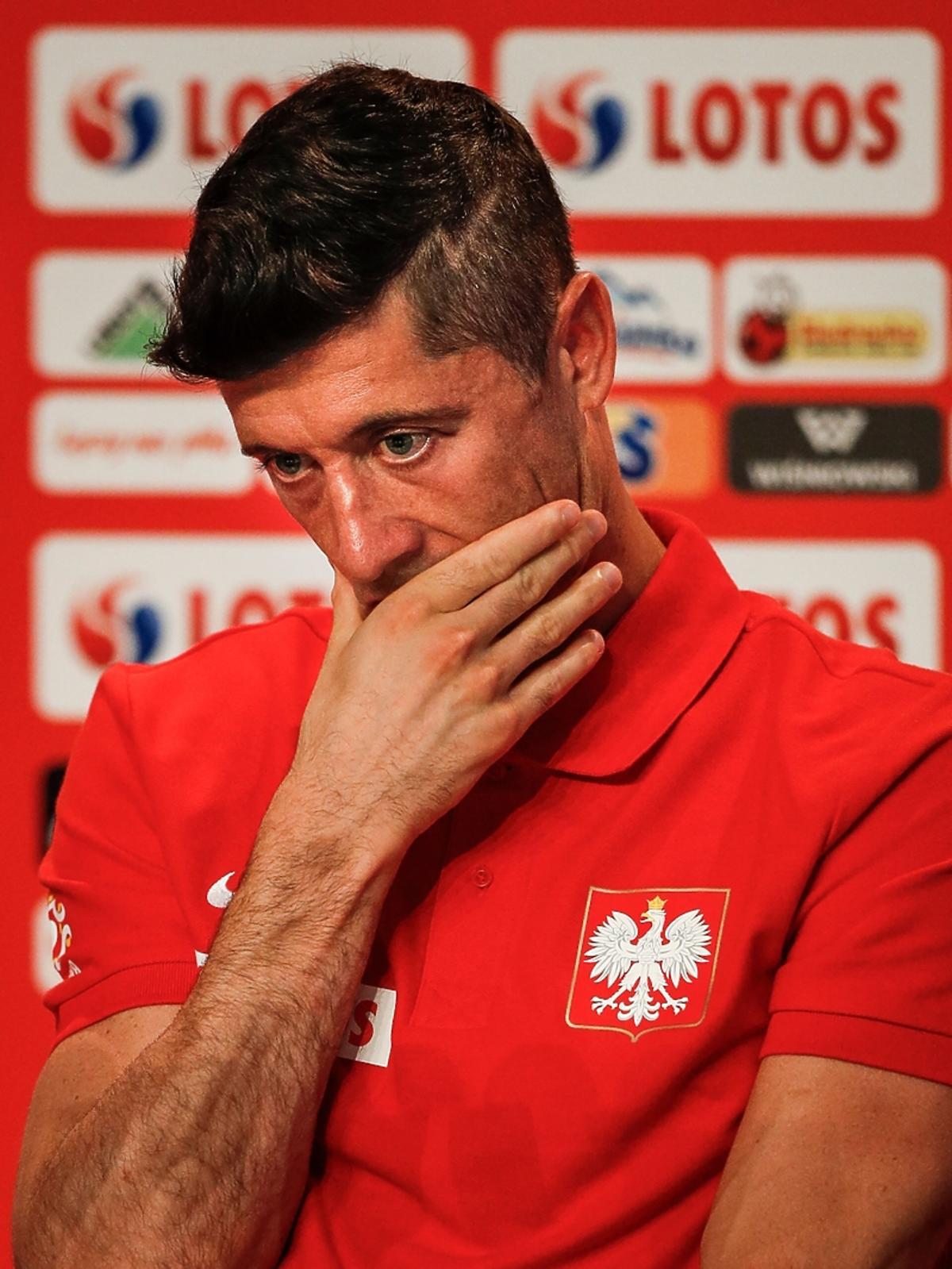 Robert Lewandowski na konferencji prasowej po przegranym meczu z Kolumbią