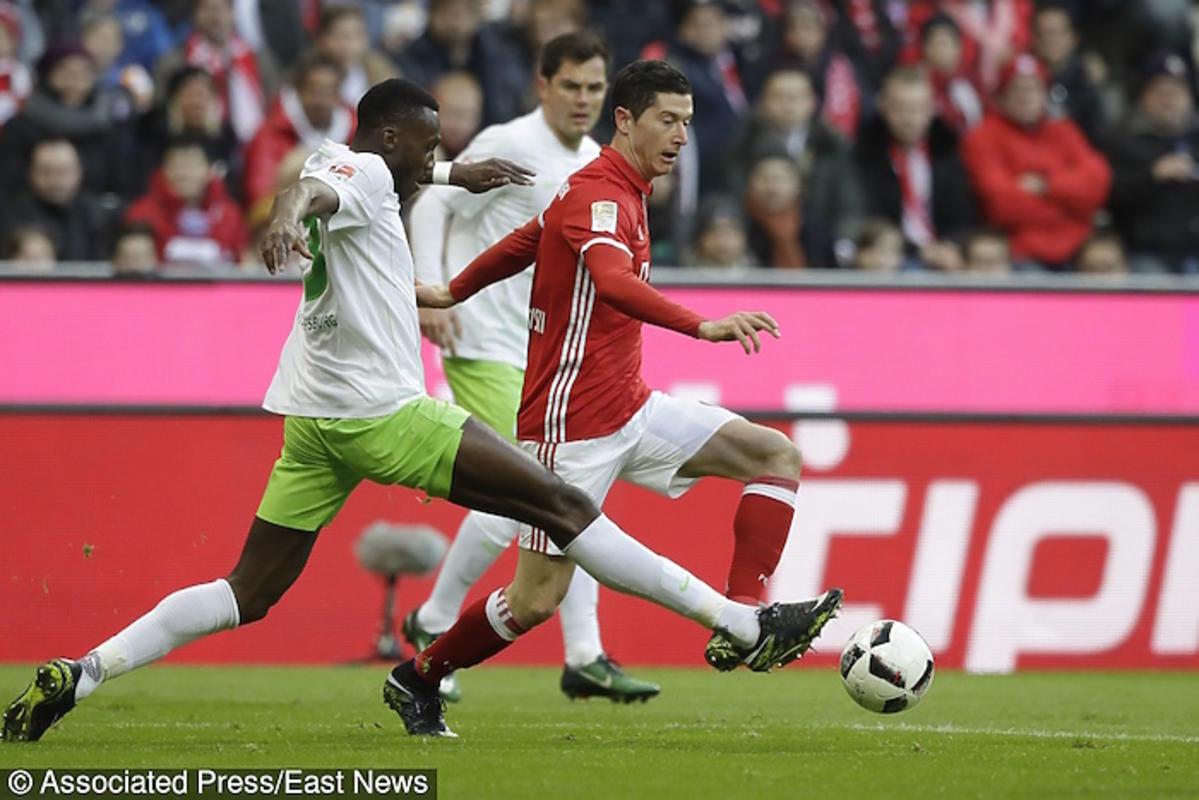 Robert Lewandowski podczas meczu Bayern Monachium kontra VfL Wolfsburg w Monachium