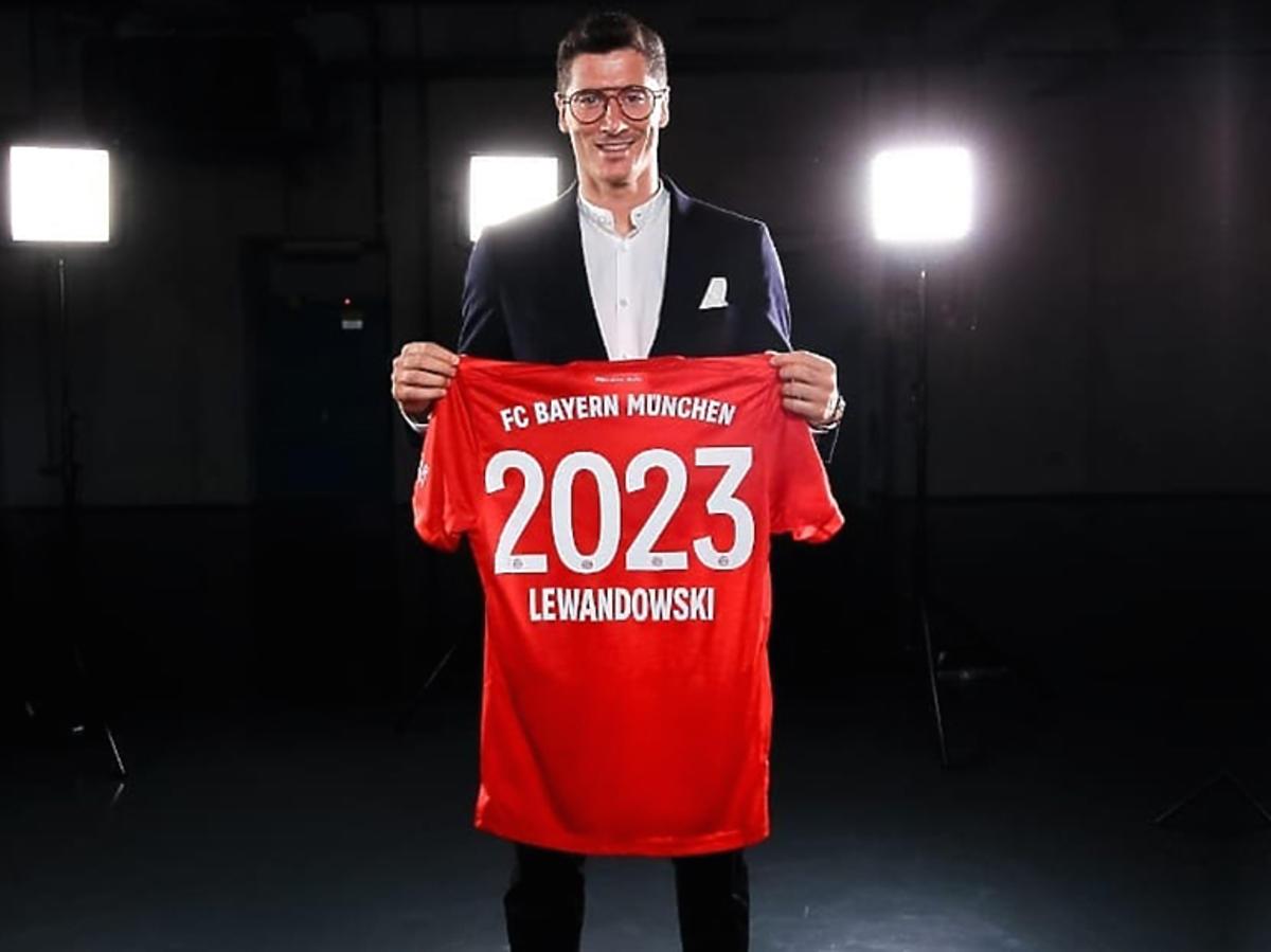 Robert Lewandowski podpisał nowy kontrakt