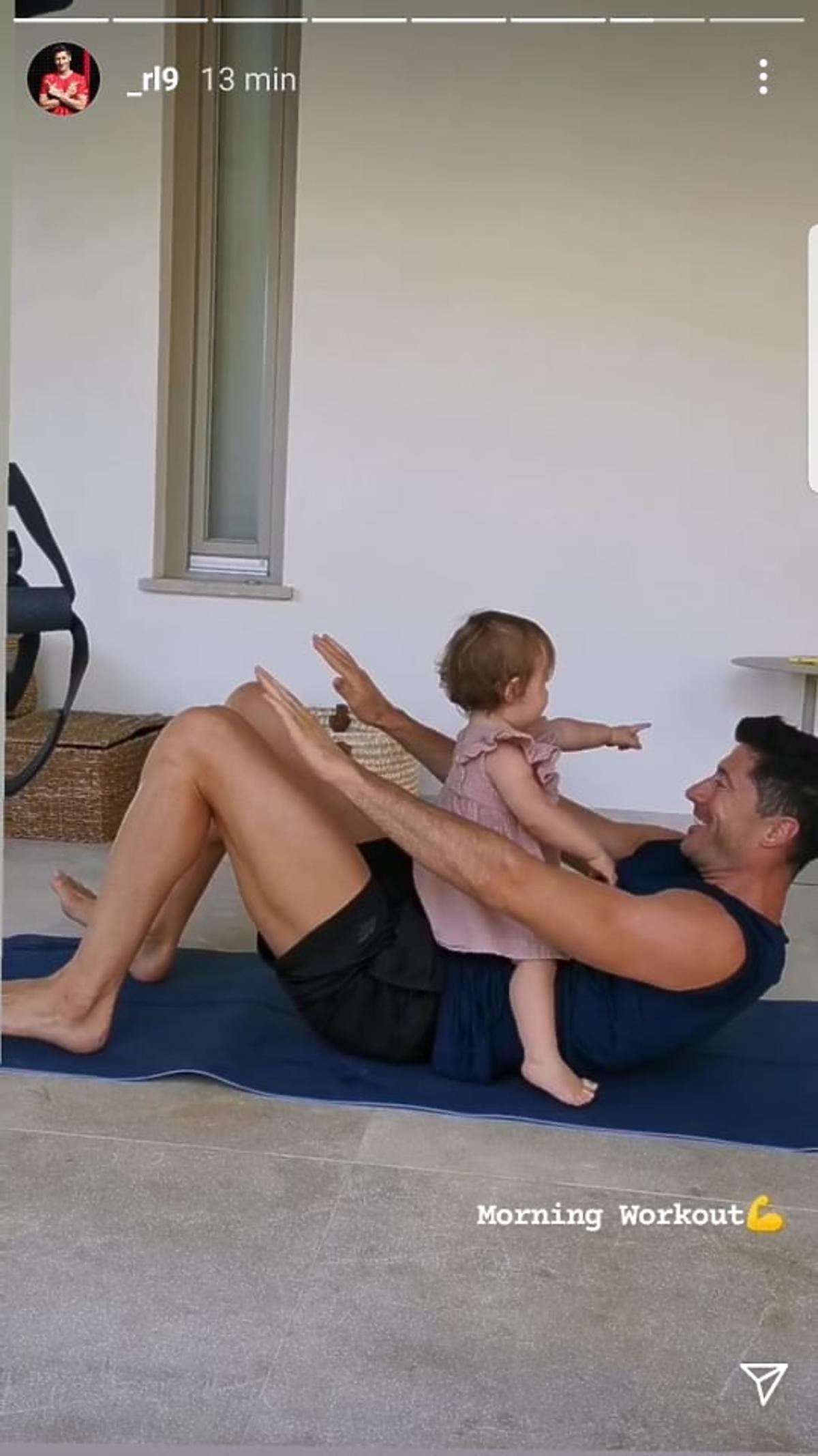 Robert Lewandowski entrena con su hija