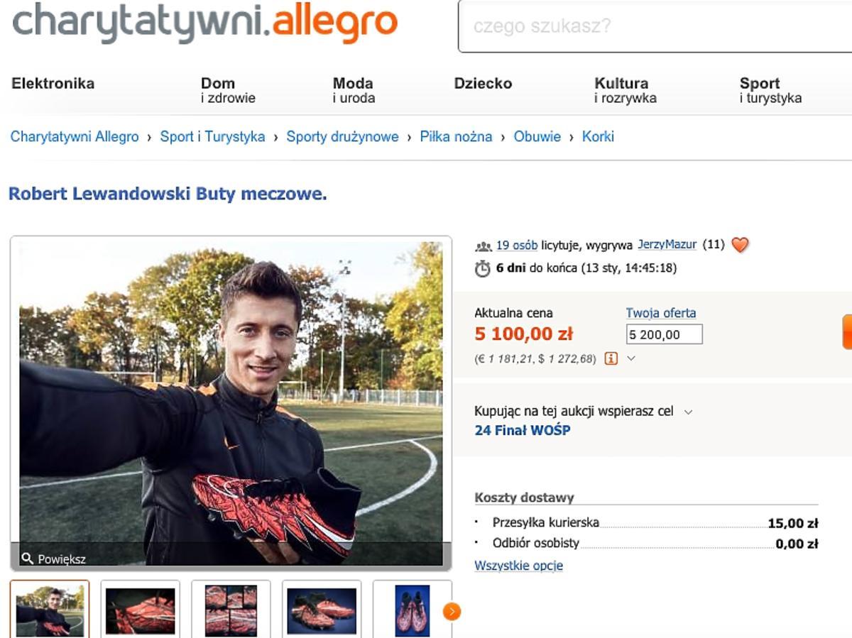 Robert Lewandowski wspiera WOŚP - wystawił buty na aukcji
