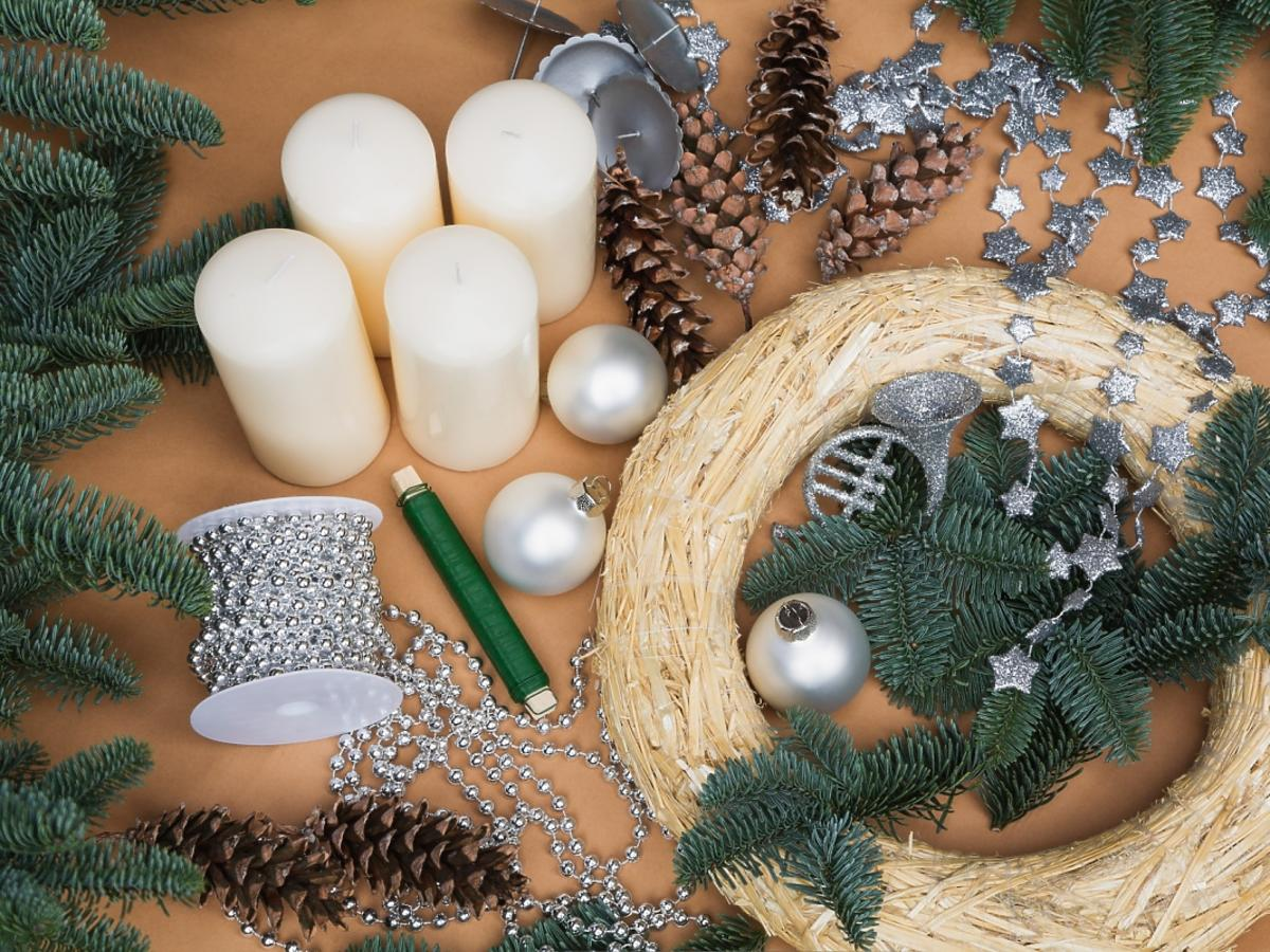 robienie świecznika świątecznego