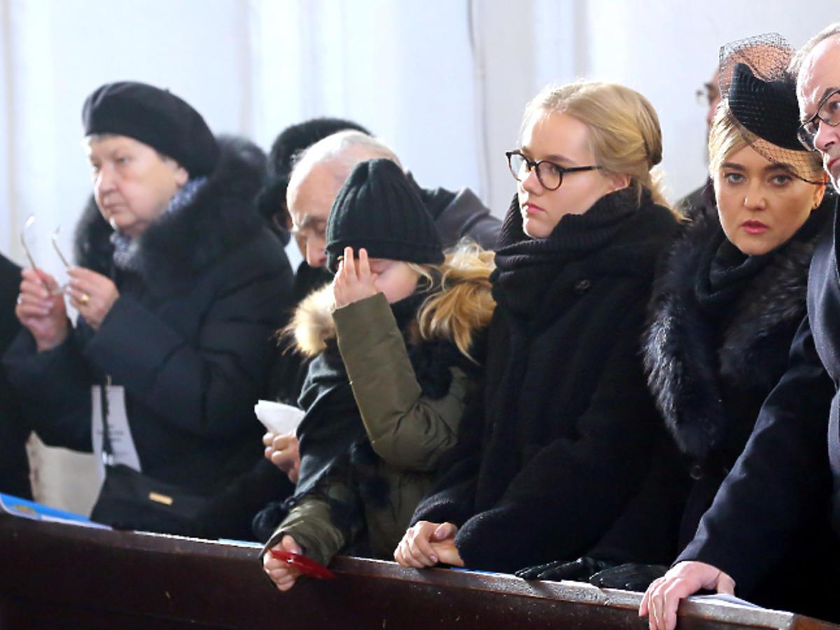 Rodzina na pogrzebie prezydenta Gdańska Pawła Adamowicza