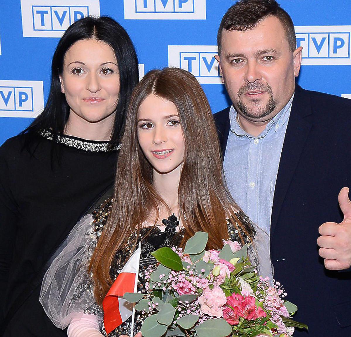 Roksana Węgiel z rodzicami