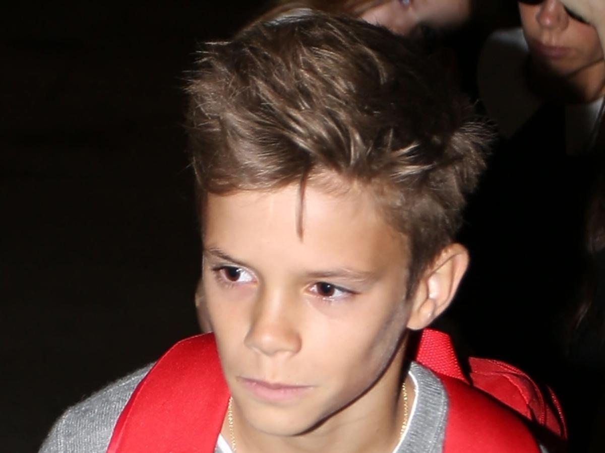 Romeo Beckham na lotnisku
