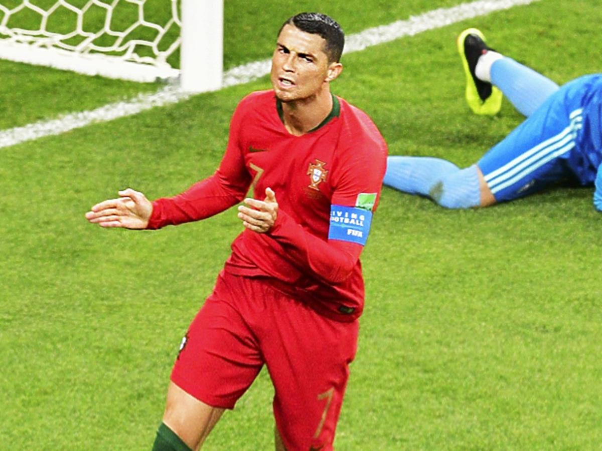 Ronaldo przegiął! Za to zagranie na mundialu powinien wylecieć z boiska!