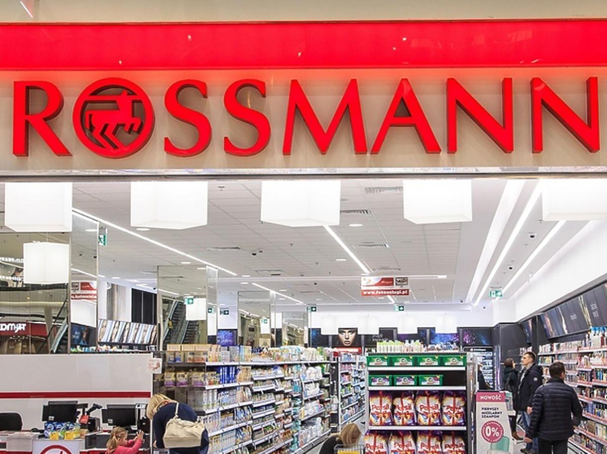 Rossmann sklep, szyld