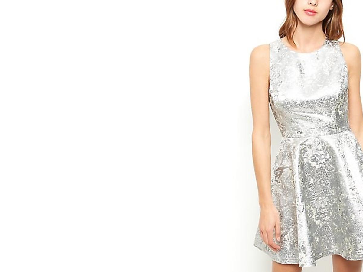 Rozkloszowana sukienka New Look, ok. 95 zł (było: ok. 200 zł)
