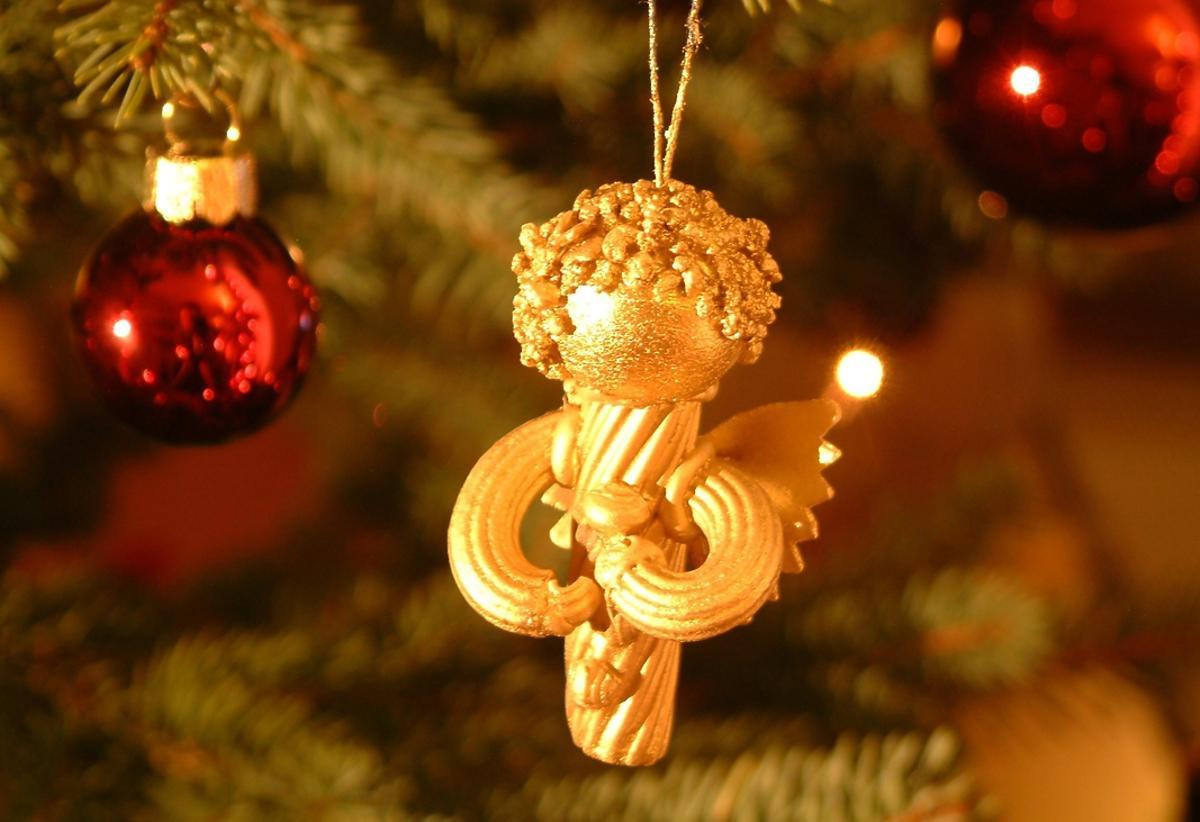 ozdoba świąteczna z makaronu