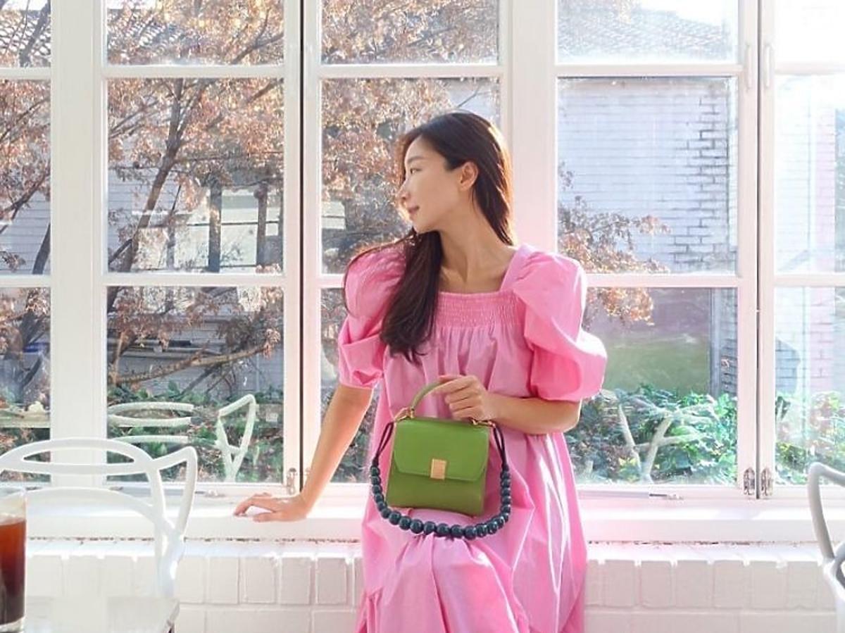 Różowa sukienka z  bufkami z H&M- hit instagrama