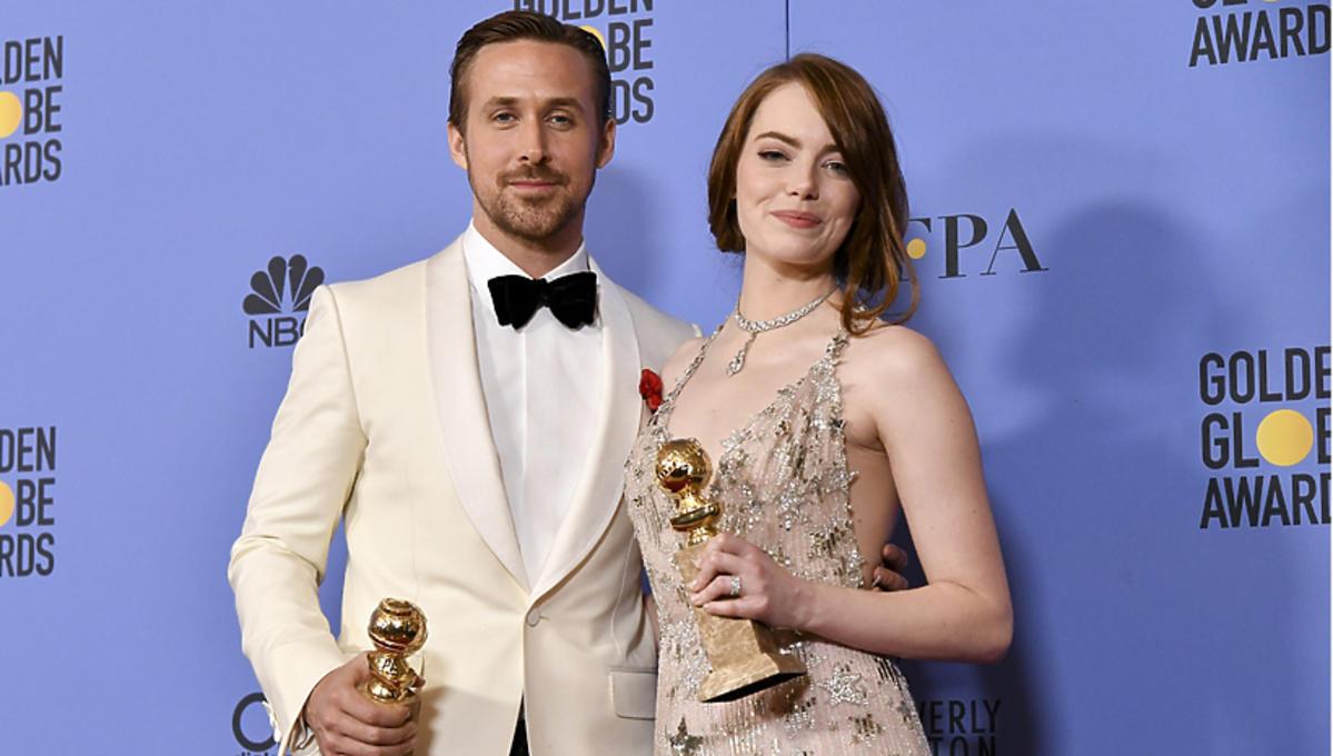 Ryan Gosling i Emma Stone ze satuetkami Złotych Globów