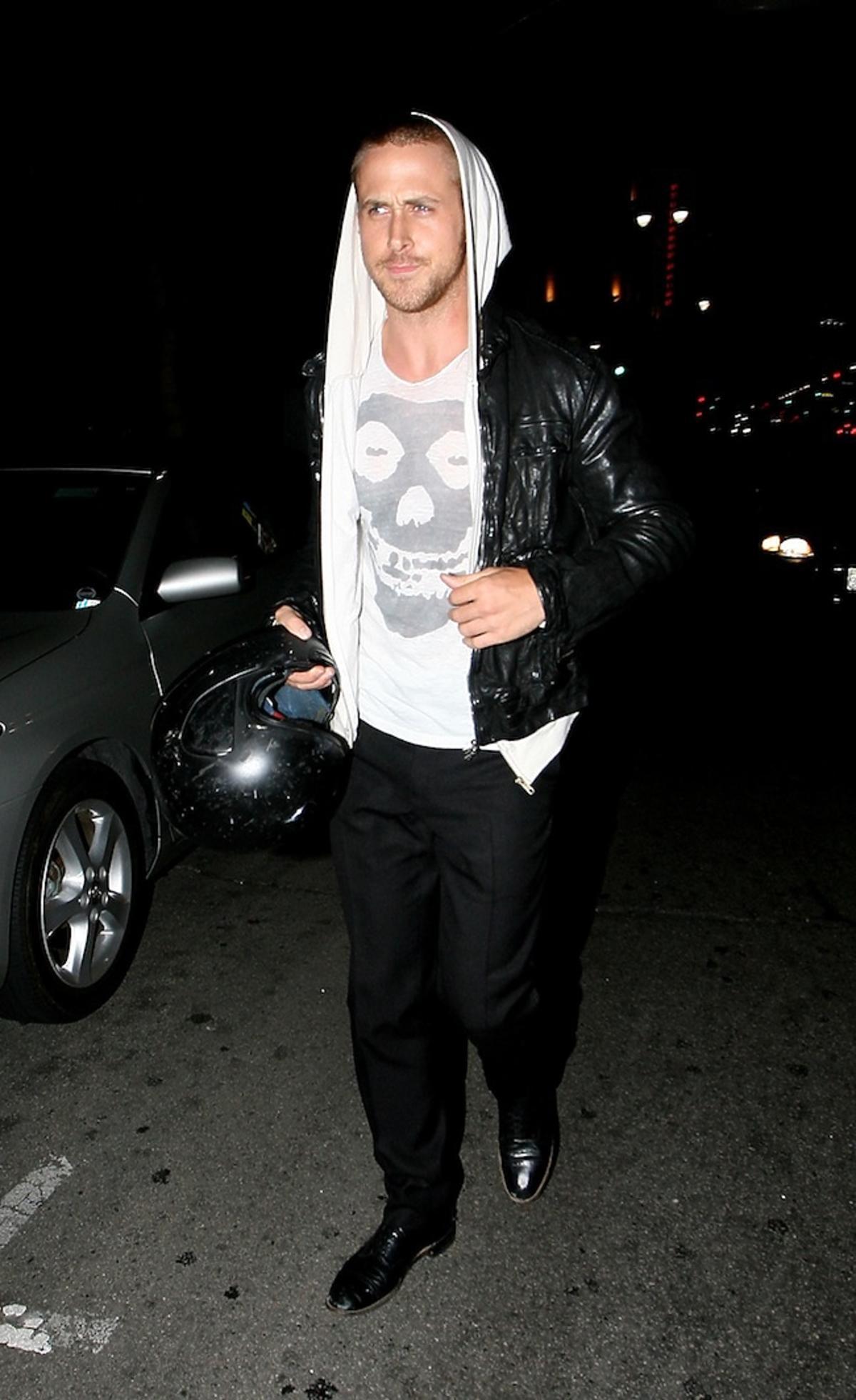 Ryan Gosling w klubie nocnym rozchwytywany przez fanki Paparazzi