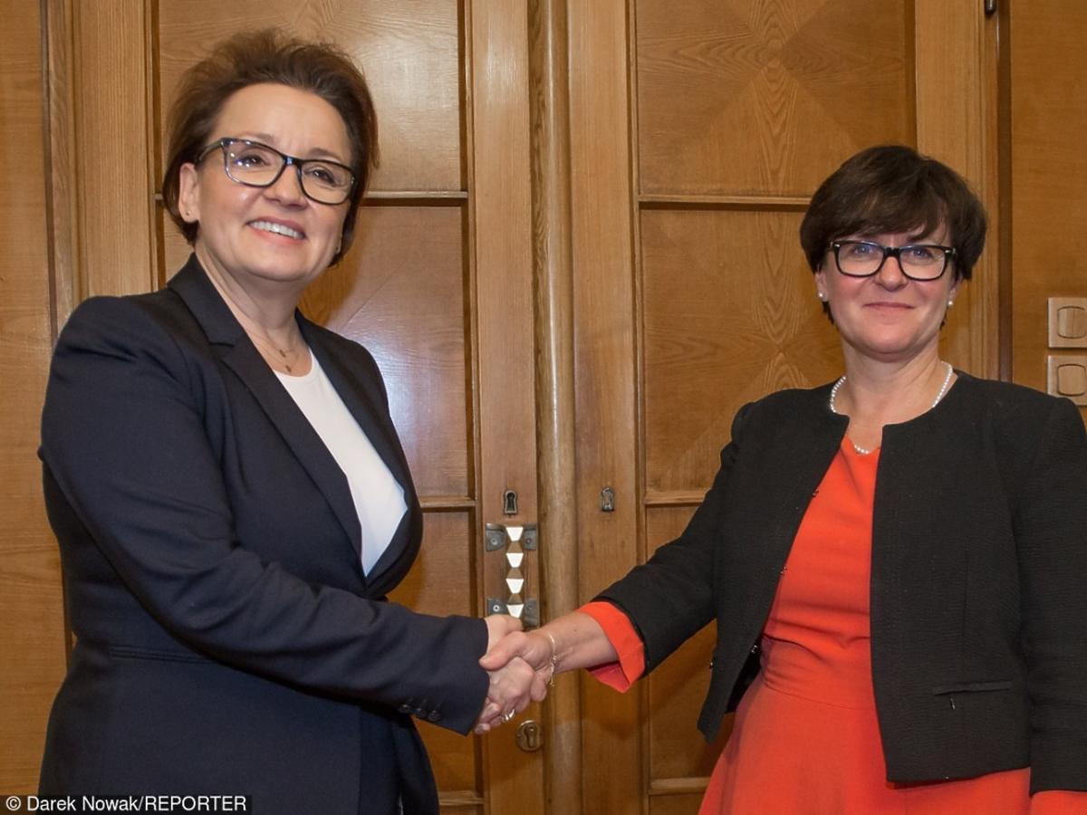 Rząd Beaty Szydło minister edukacji Anna Zalewska i była minister Joanna Kluzik Rostkowska