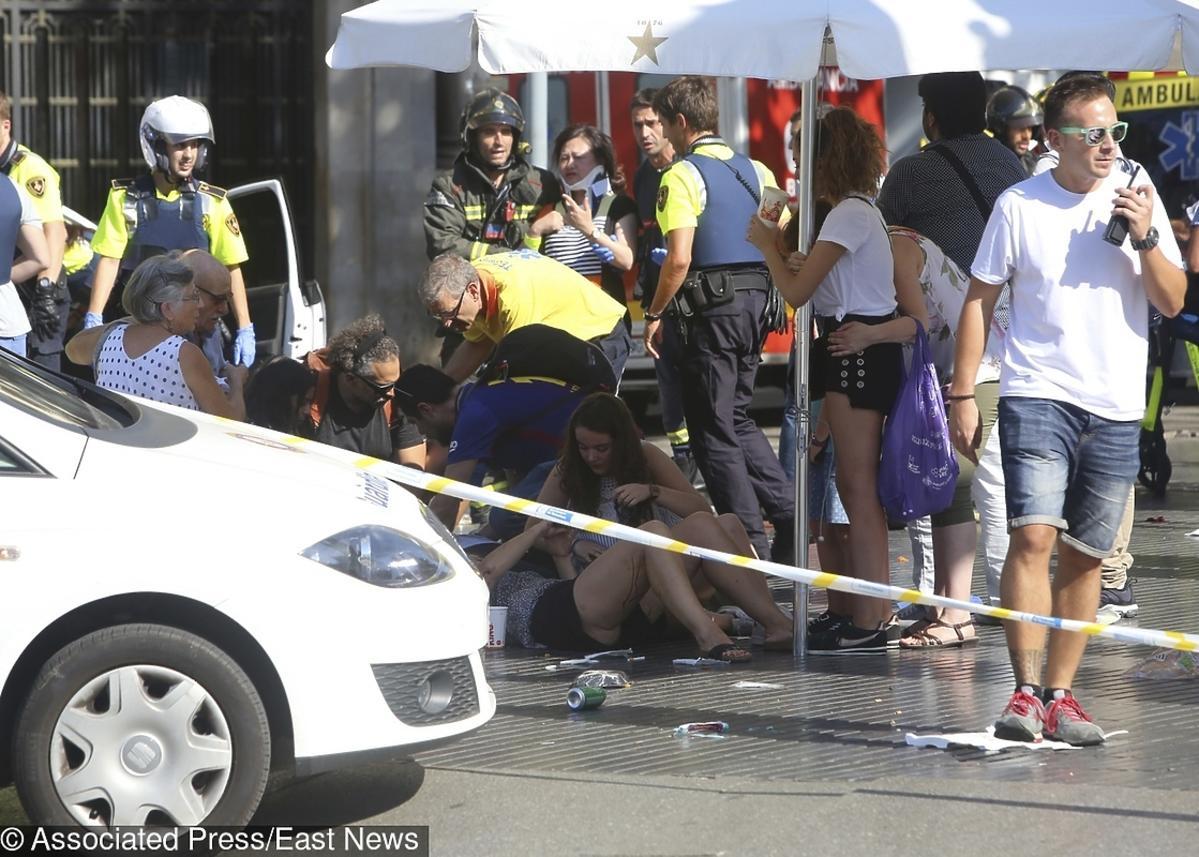 Rzeź na ulicach Barcelony! 13 osób nie żyje. ZDJĘCIA z miejsca zamachu terrorystycznego
