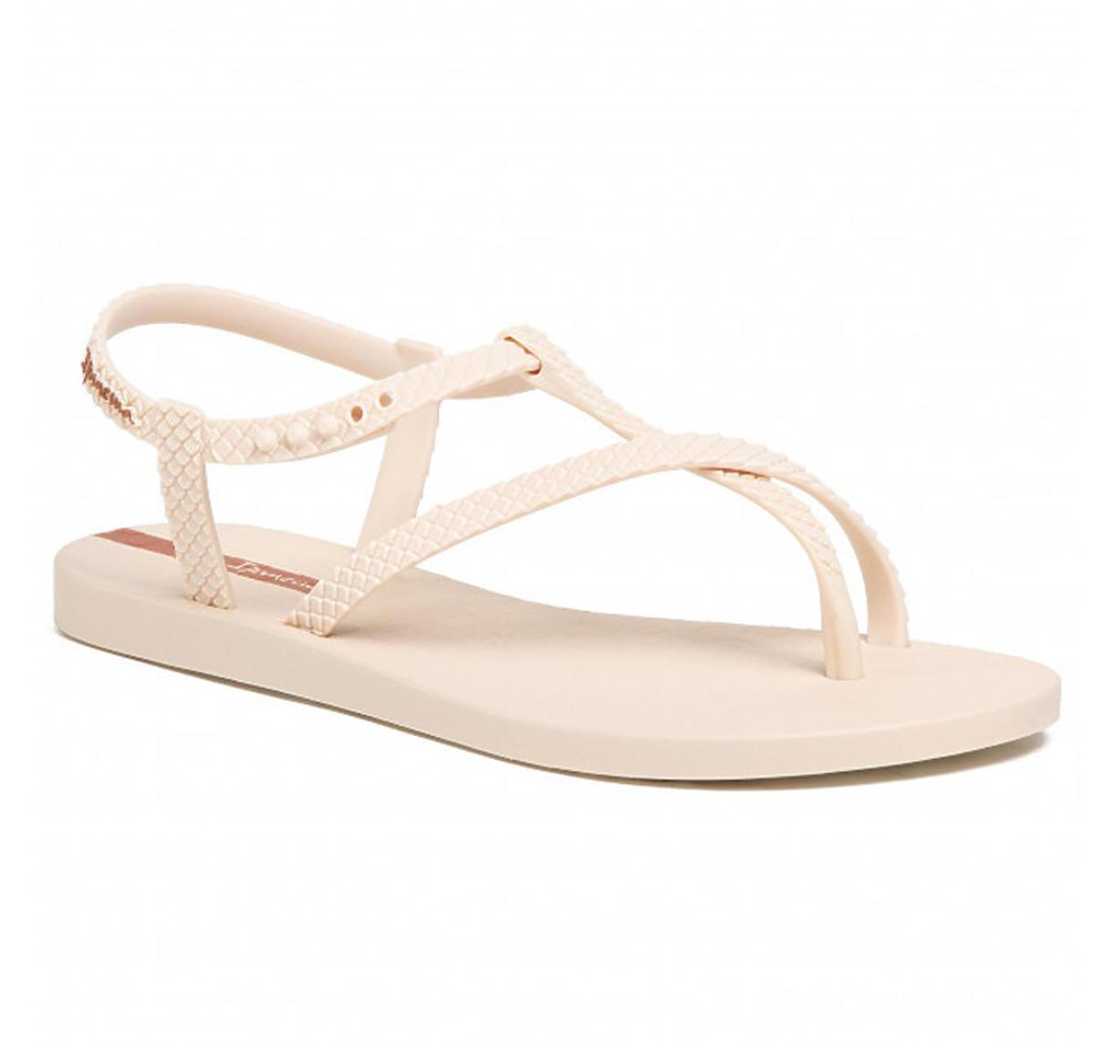 Sandałki na lato 2020. Model Ipanema w stylu Natalii Siwiec