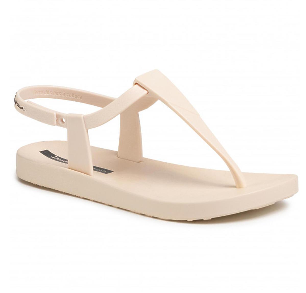Sandały Ipanema w stylu Natalii Siwiec. Trendy na lato 2020