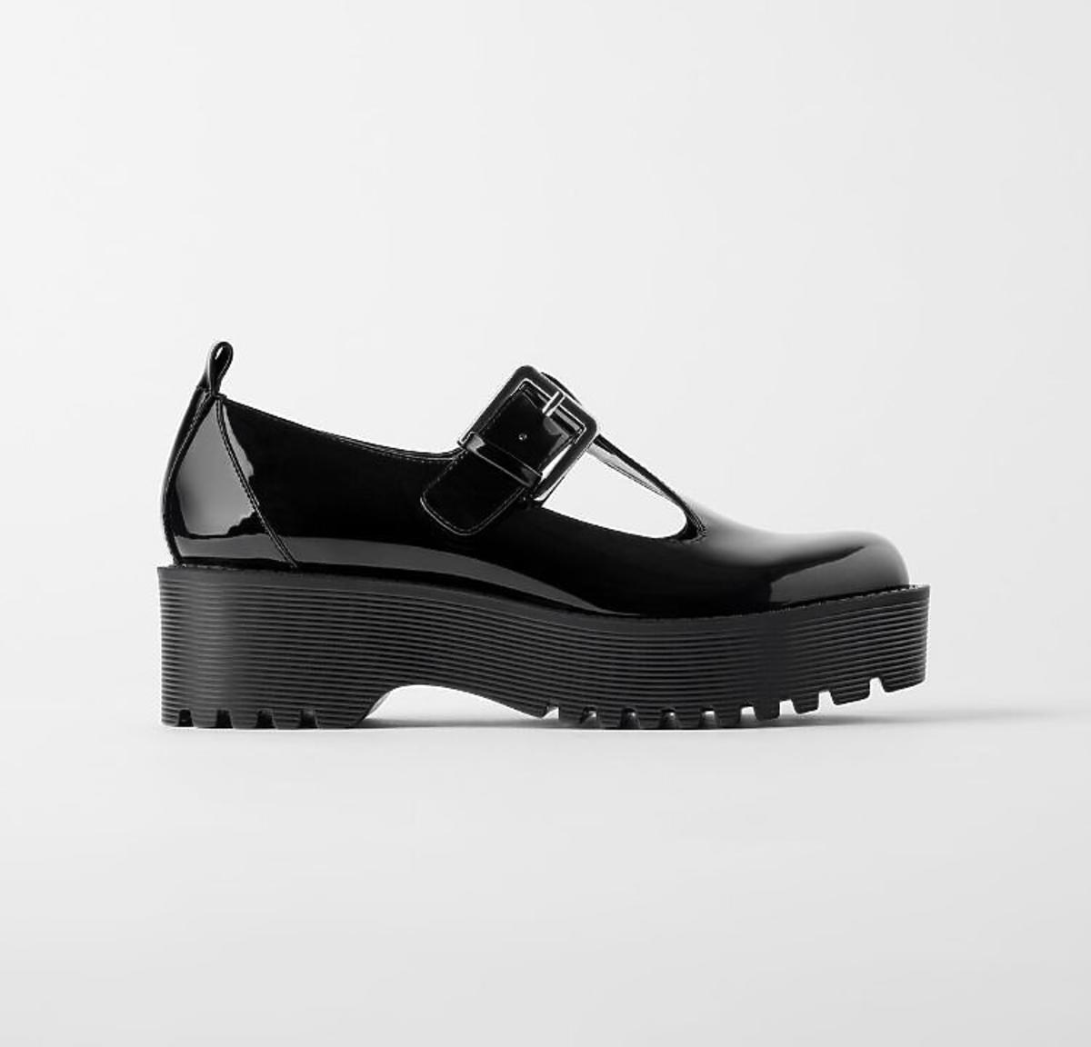 Sandały z traperem wyprzedaż Zara