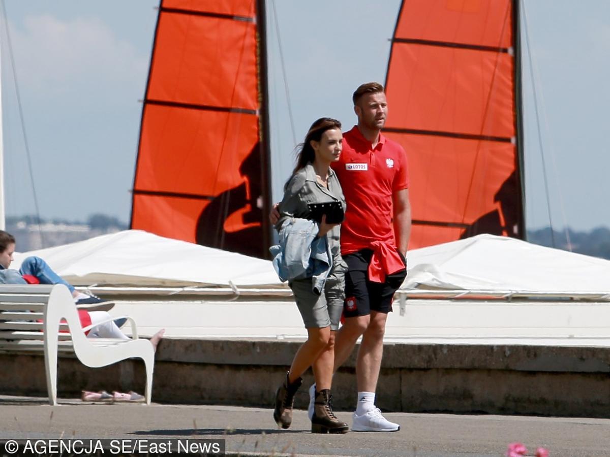 Sara i Artur Borucowie na spacerze