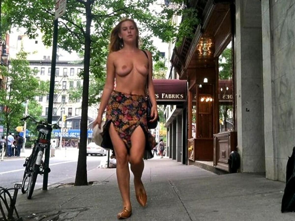 Scout Willis nago. Piersi córki Demi Moore. Córka Demi Moore topless
