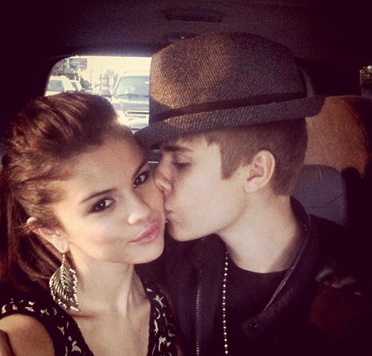 Selena Gomez i Justin Bieber całująsię