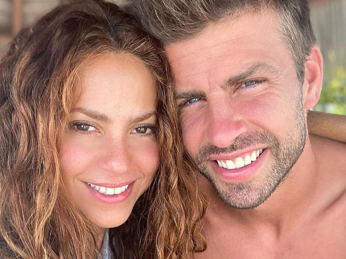 Shakira i Gerard Pique przytuleni