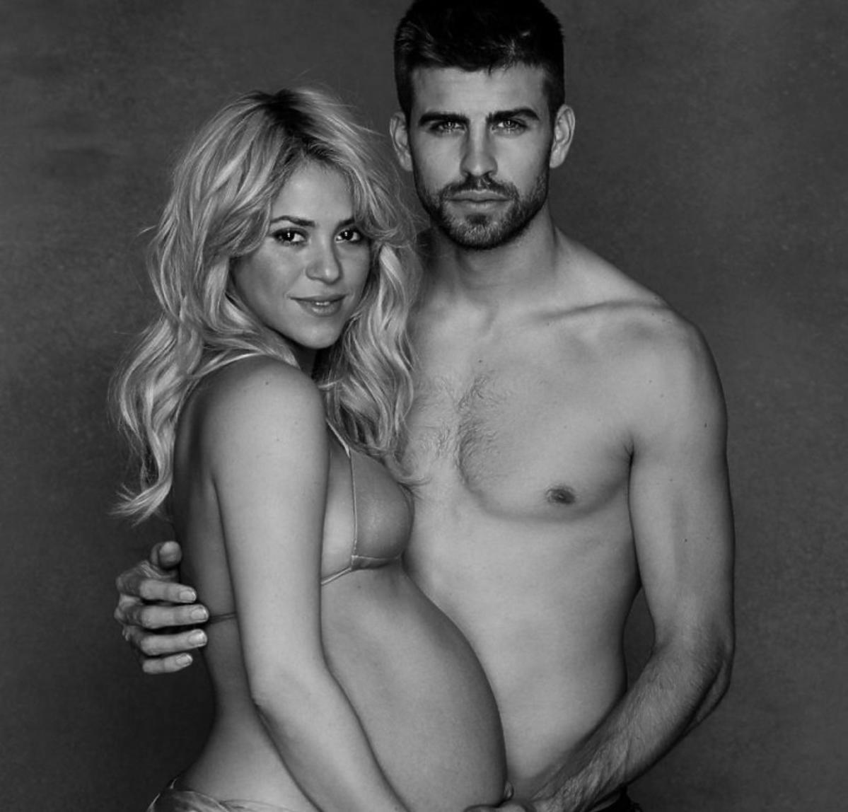 Shakira i Gerard Pique w sesji ciążowej
