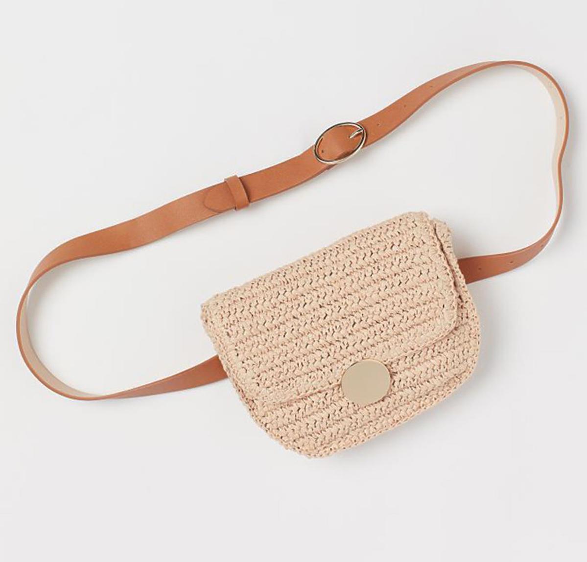 Słomkowa torebka na pas z H&M