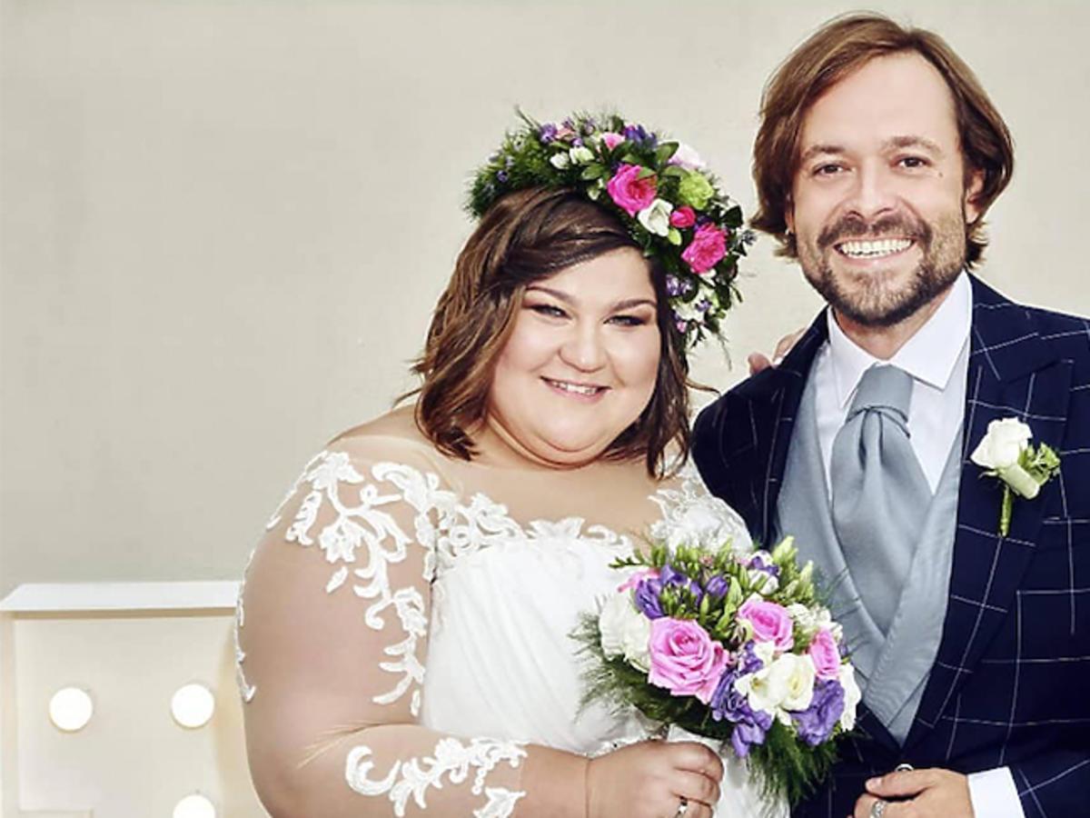 Ślub Dominiki Gwit, zdjęcie z mężem w sukni