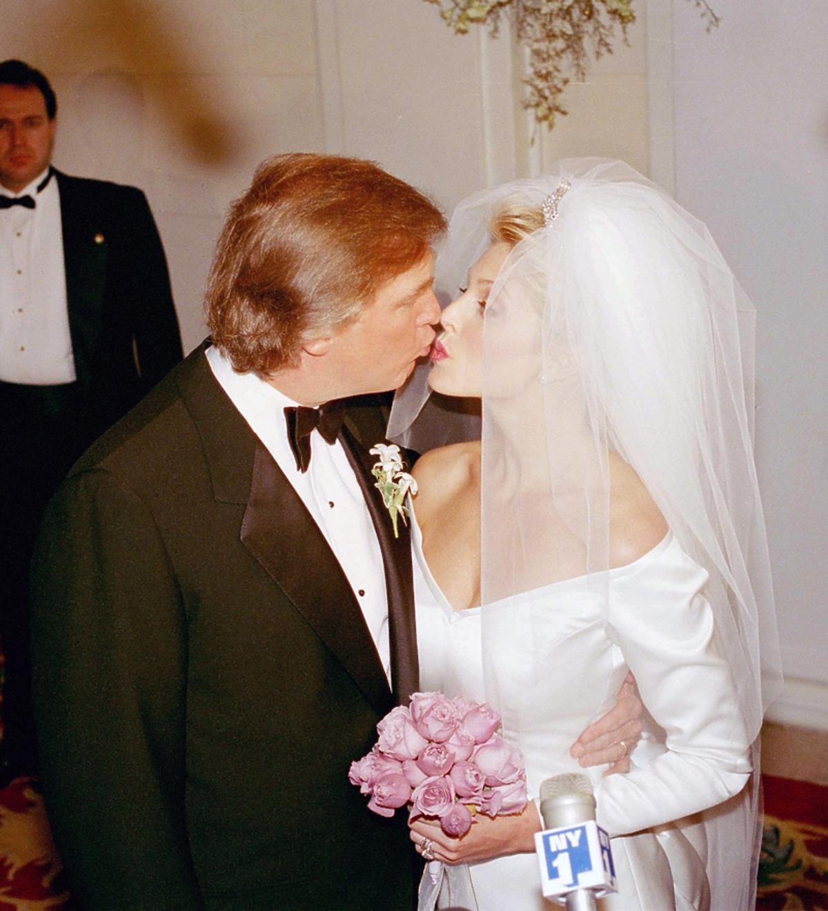 Ślub Donalda i Marli Trump w nowojorskim hotelu Plaza