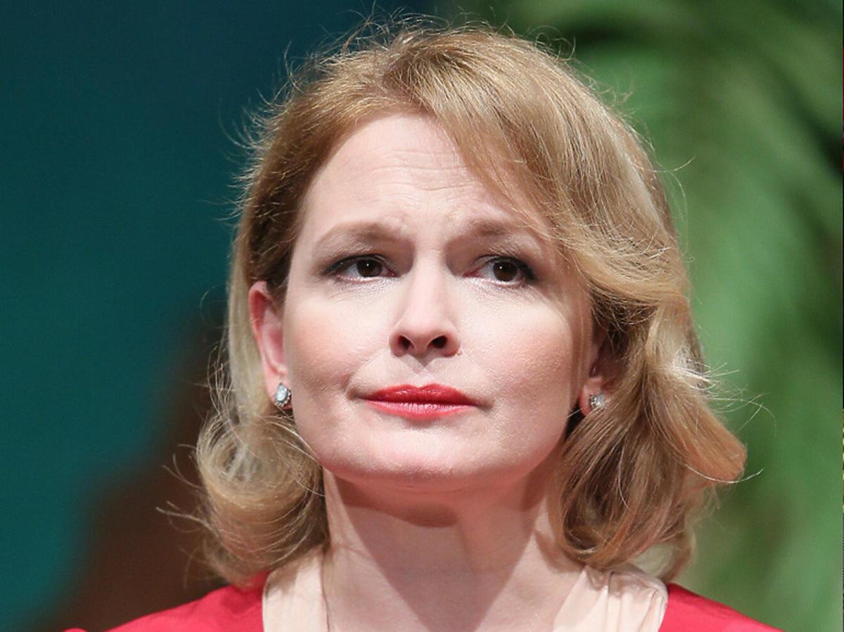 Smutna Dominika Ostałowska