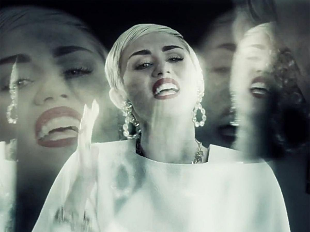 """Snoop Lion feat. Miley Cyrus """"Ashtrays and Heartbreaks"""""""