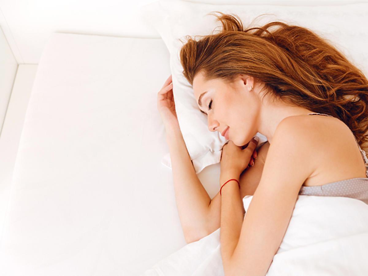 spiaca_dziewczyna