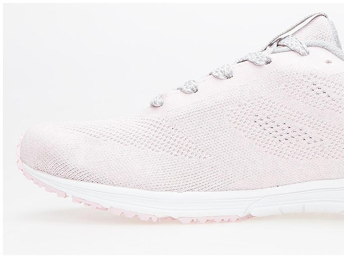 Sportowie buty, 4f, ok. 140 zł