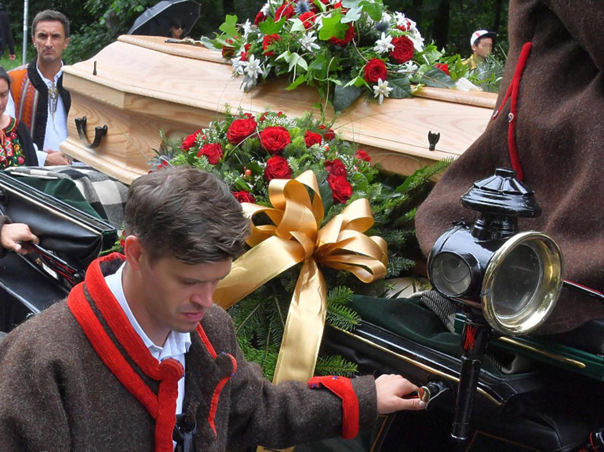 Staszek Karpiel Bułecka na pogrzebie Zofii Karpiel Bułecki