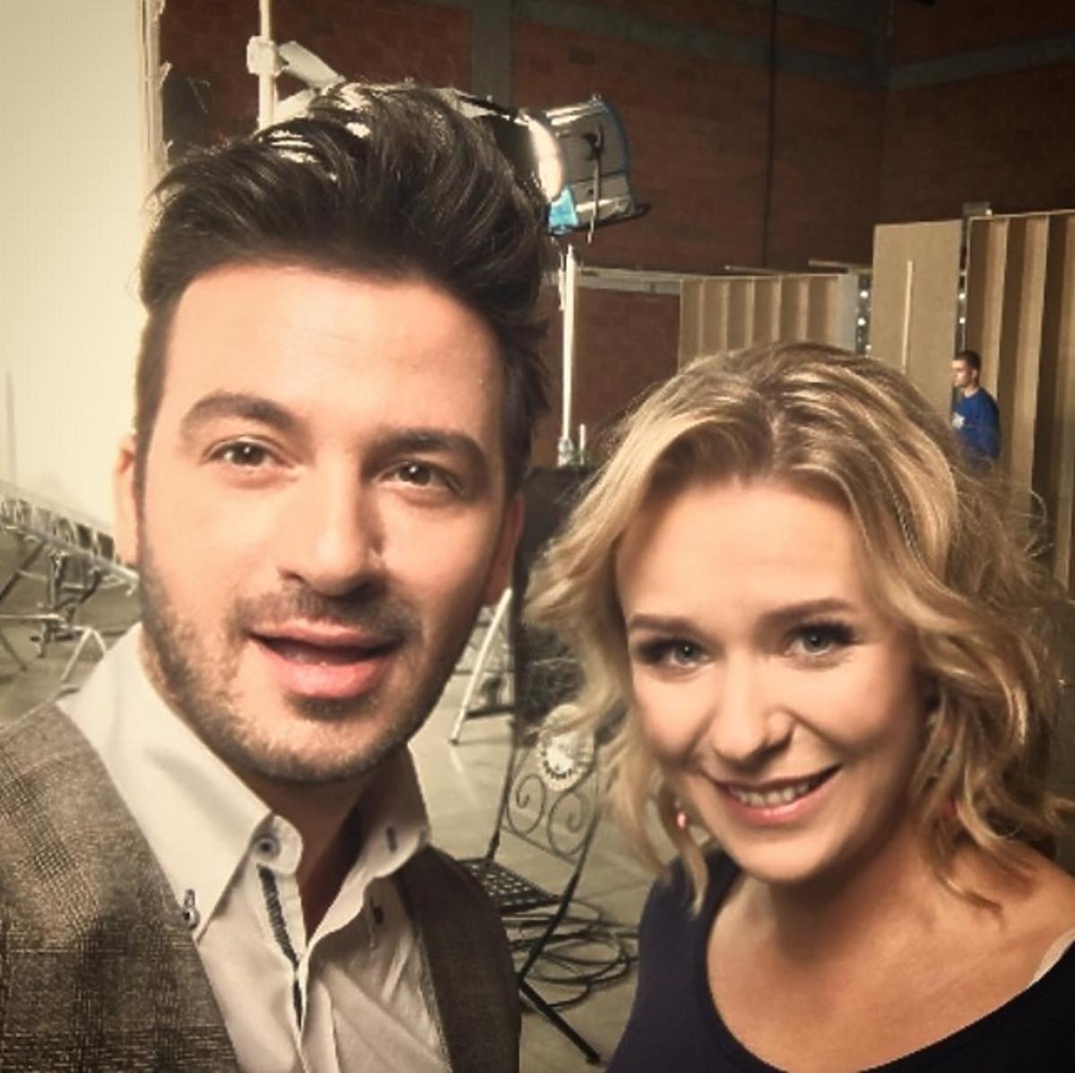 Stefano Terrazzino i Aneta Zając robią sobie selfie