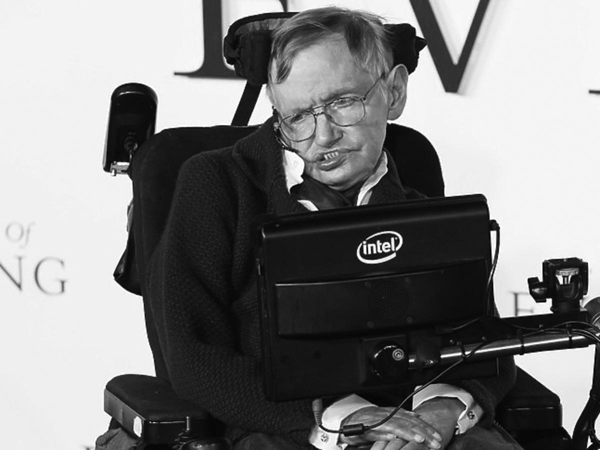 Stephen Hawking nie żyje. Na co zmarł? Główne