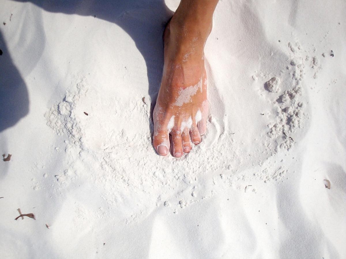 stopa na piasku