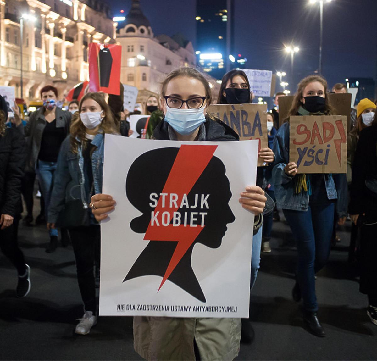 Strajk Kobiet 2020: Tysiące osób w całej Polsce przeciw decyzji Trybunału Konstytucyjnego