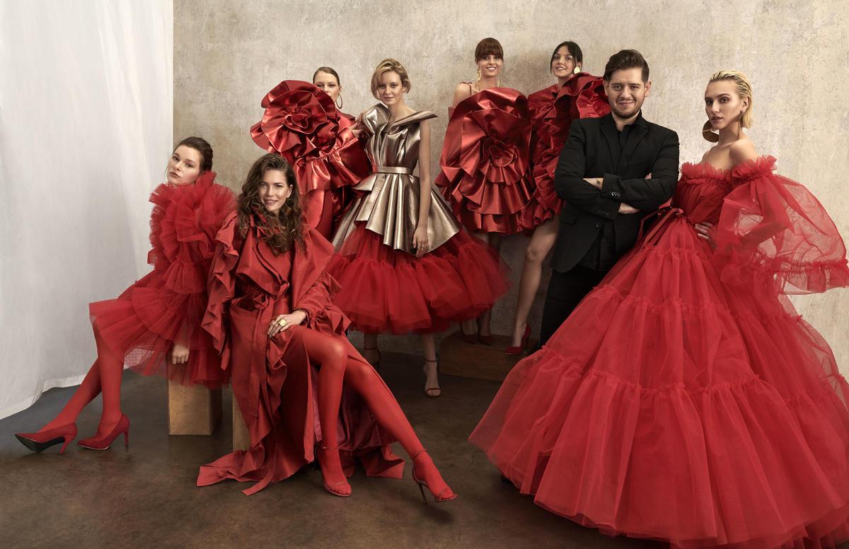 sukienki-inspirowane-batonikiem-duplo-adrian-krupa
