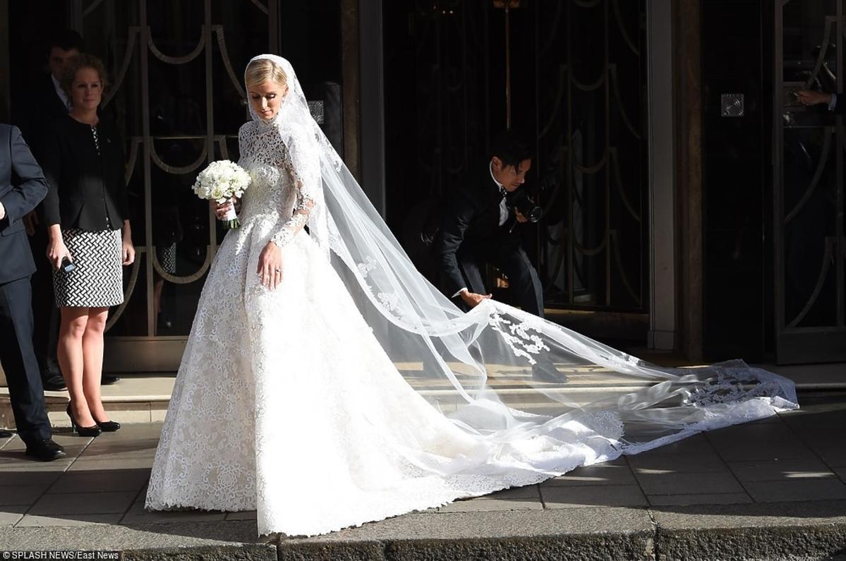 Suknis ślubna Nicky Hilton
