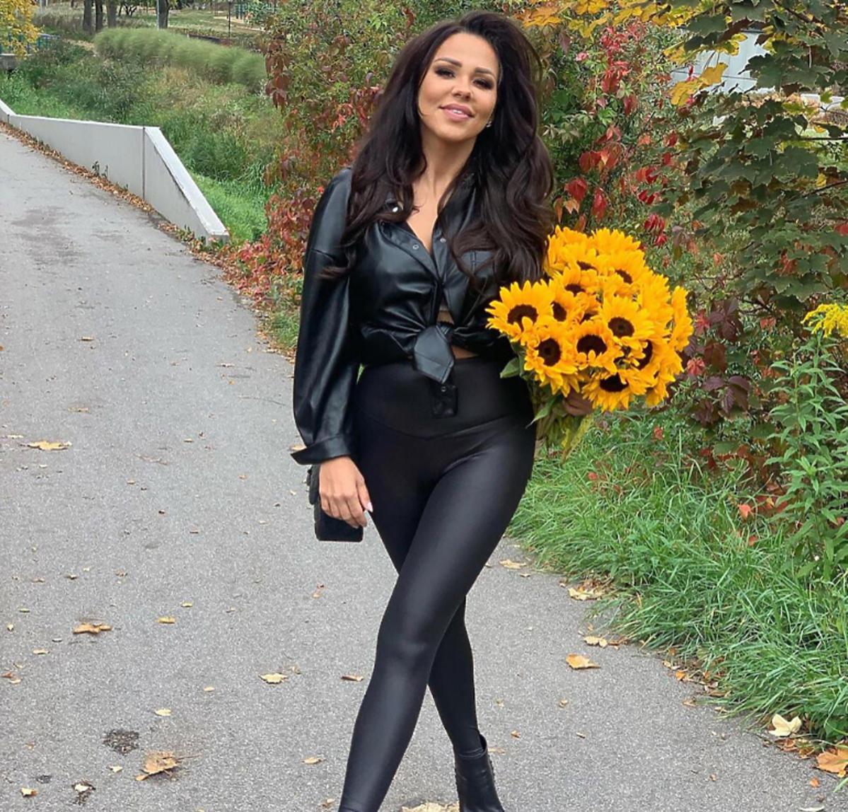 Sylwia Bomba na jesiennym spacerze