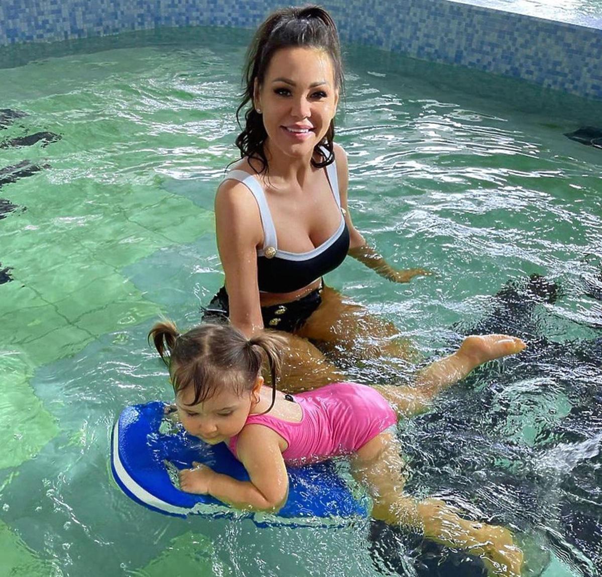 Sylwia Bomba w basenie