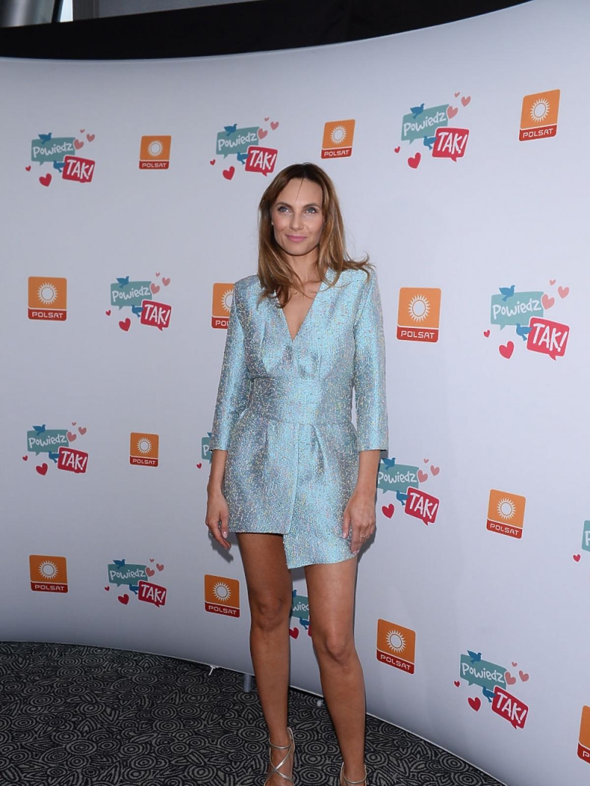 Sylwia Gliwa w krótkiej sukience
