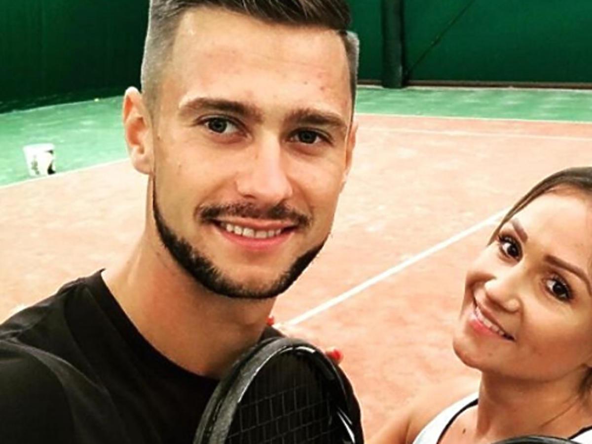 Sylwia i Mikołaj na korcie tenisowym